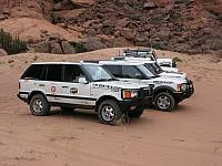 LAND_ROVERS-02.jpg