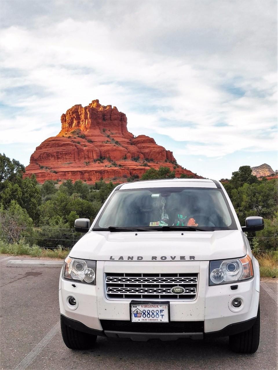 Shamanic Land Rover @ Bell Rock Sedona AZ 01 (2)